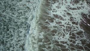 ドローンで撮った波